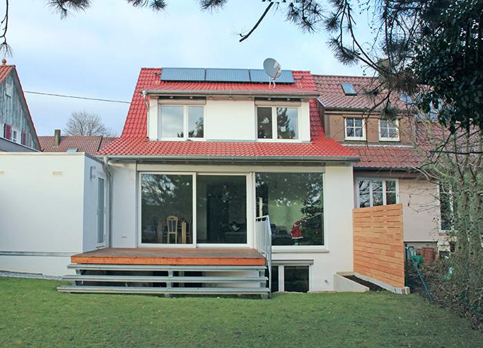 neubau-architektur-garten-doppelhaushaelfte